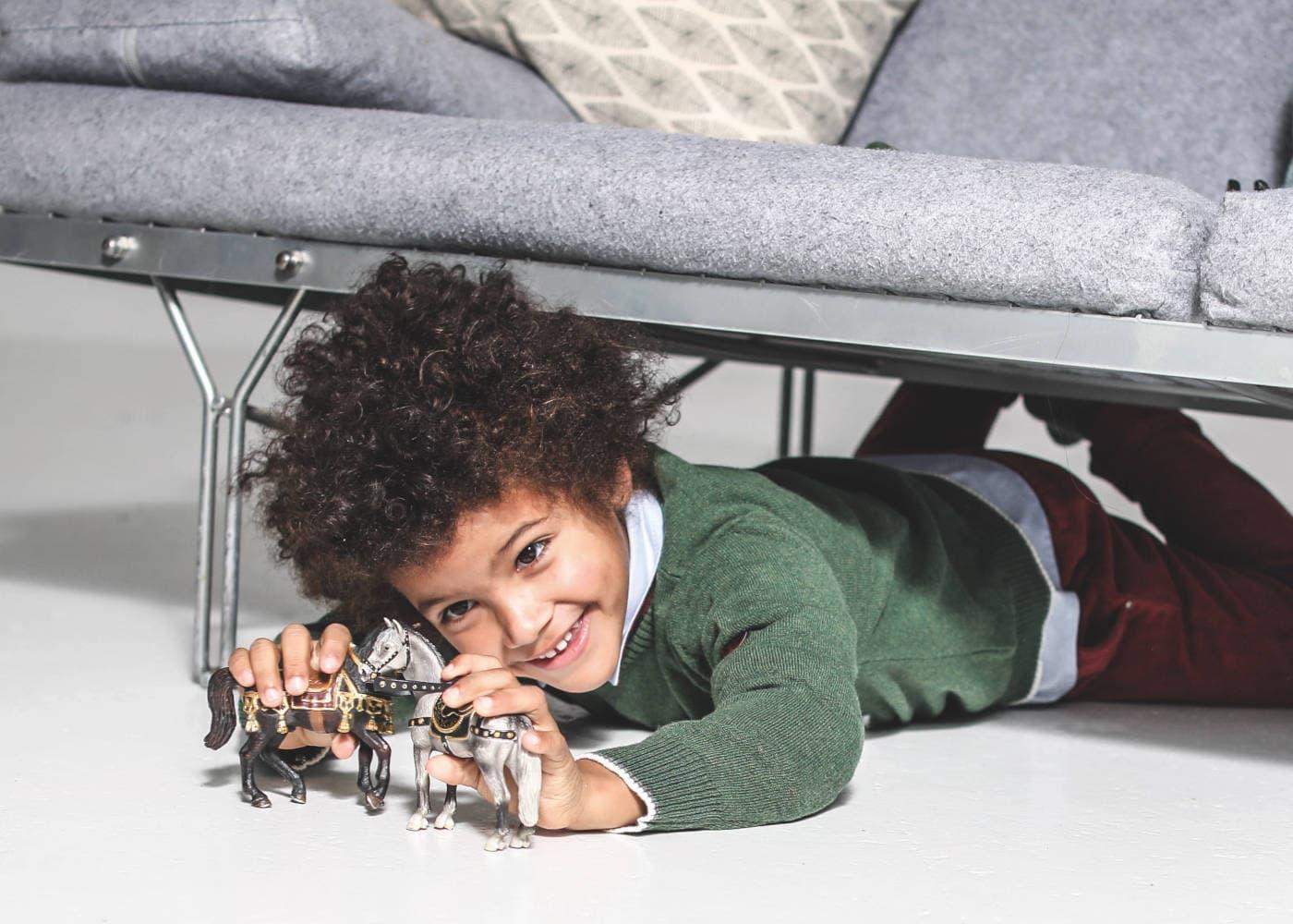 Gutes Spielzeug für Kinder: Schleich-Figuren und Tiere // HIMBEER