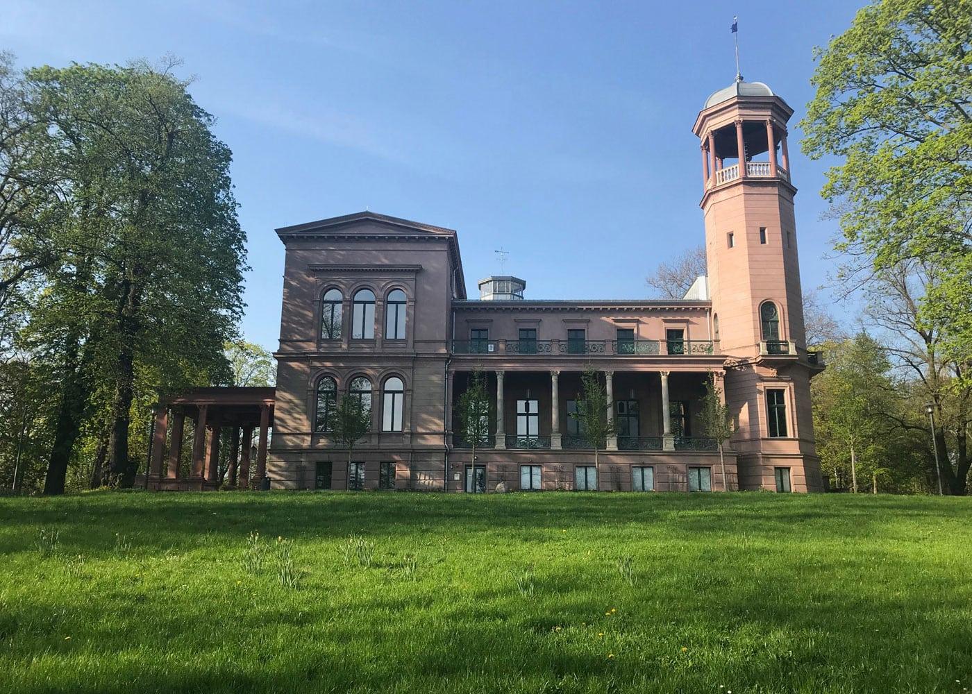 Ausflugsziel mit Kindern: Schloss Biesdorf Berlin-Marzahn // HIMBEER