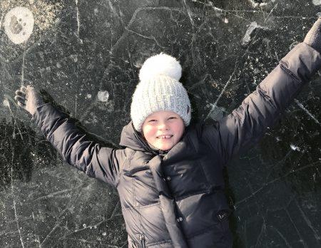 Eisbahnen zum Schlittschuhlaufen mit Kindern in Berlin: Großer Winterspaß für Familien // HIMBEER