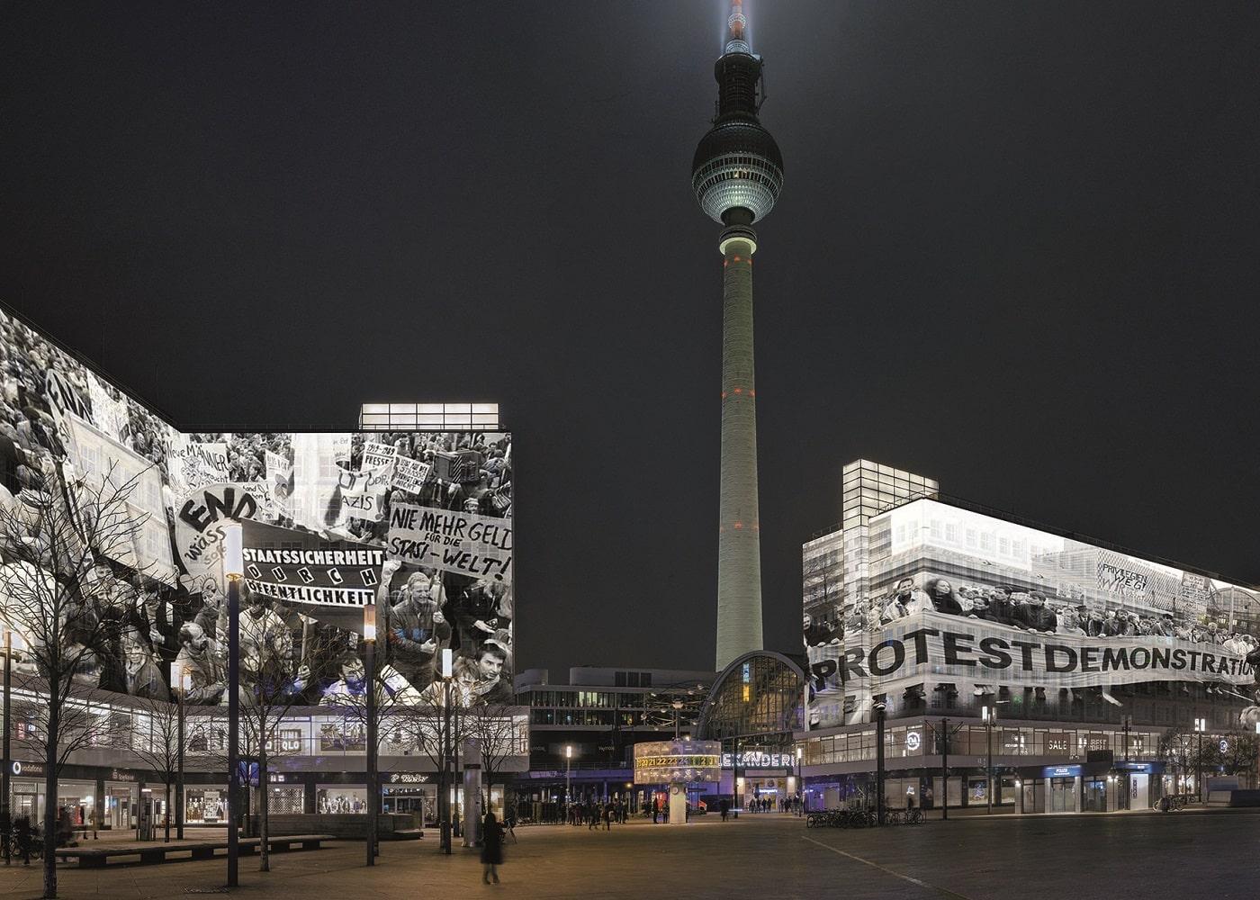 3D-Projektionen an Berliner Fassade // HIMBEER