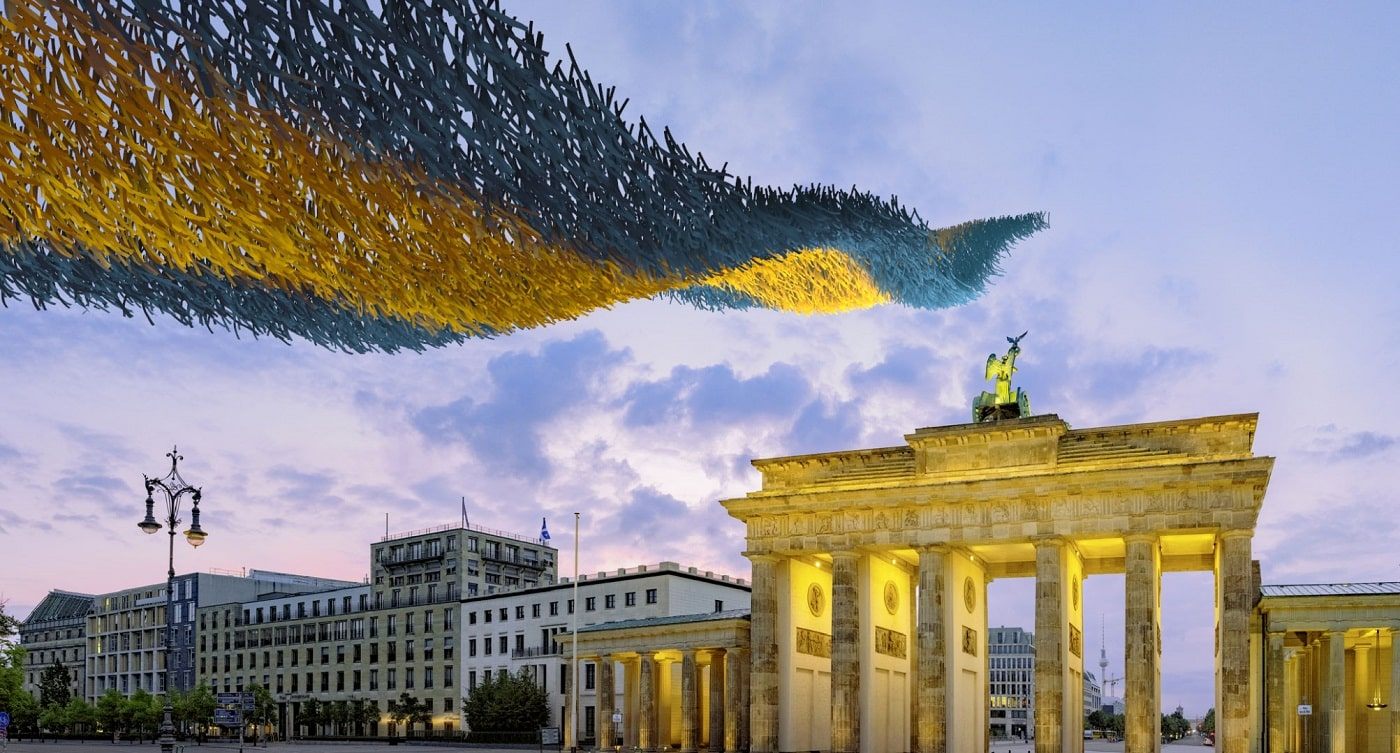 Eine Kunstinstallation am Brandenburger Tor // HIMBEER