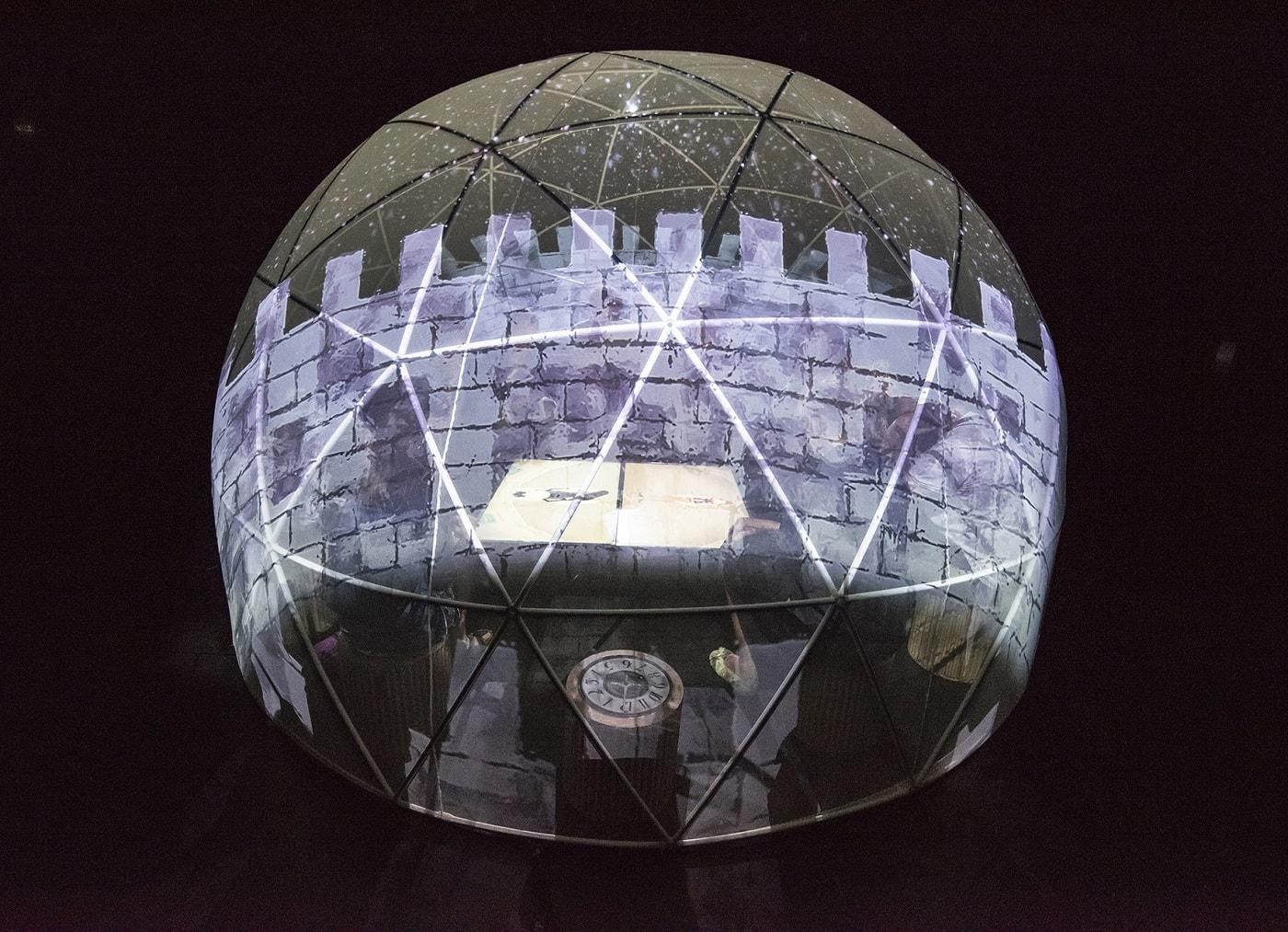 Kinder erleben mit 360-Grad-Kuppel die Märchenwelt // HIMBEER