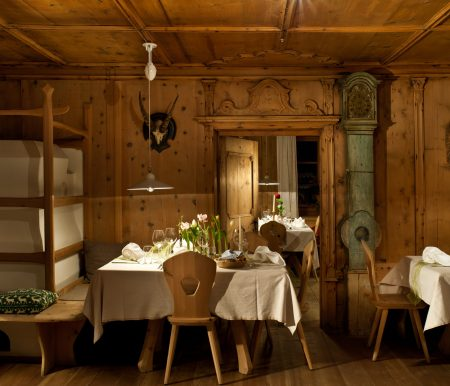 Stube im Hotel Saalerwirt – Winterurlaubsziel für Familien // HIMBEER