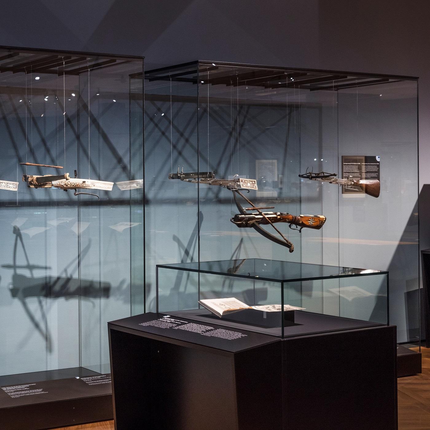 Armbruste im Deutschen Historischen Museum // HIMBEER