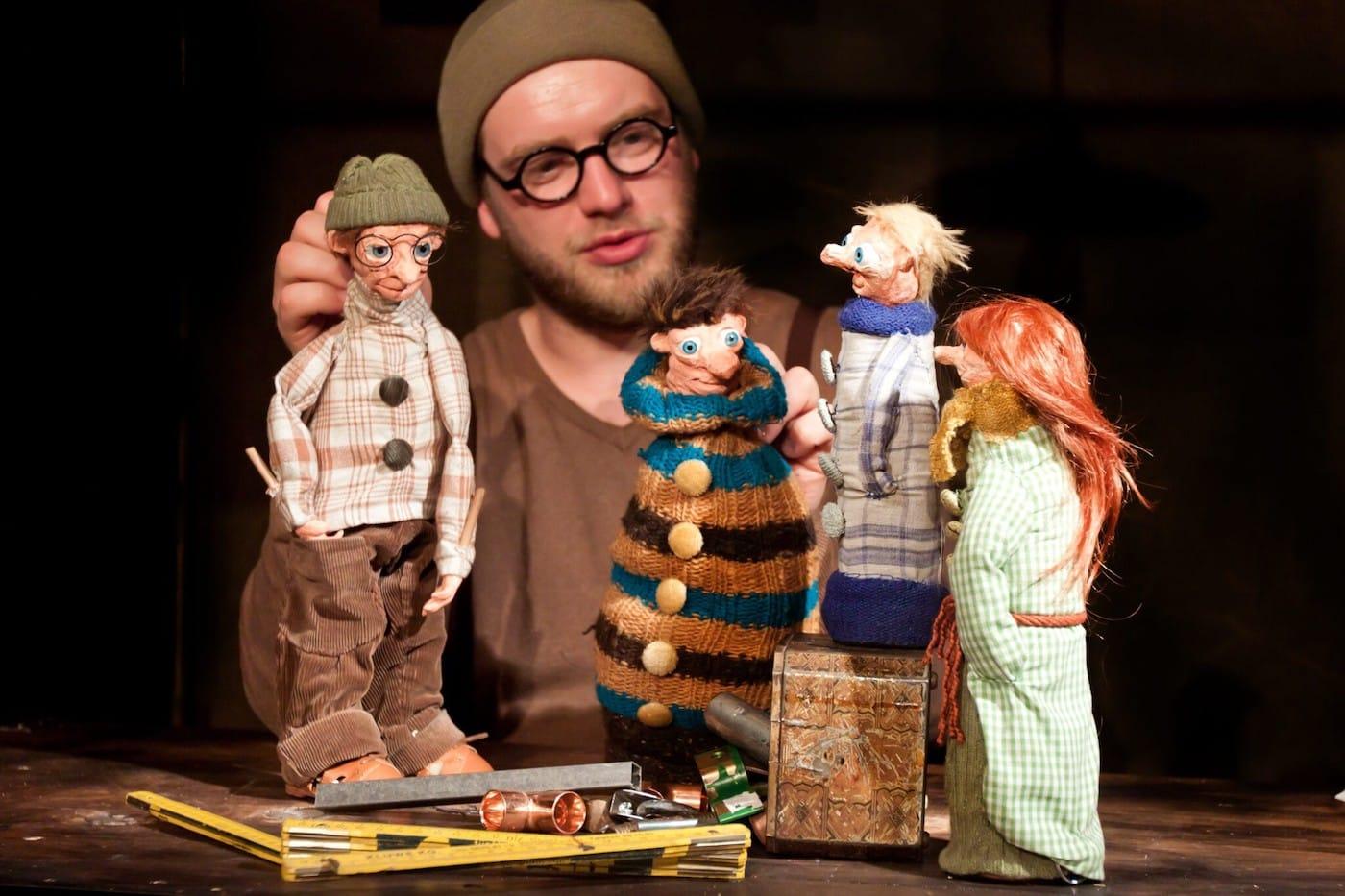 Kindertheater in den Berliner Winterferien – die besten Stücke für Kinder: Werkstatt der Schmetterlinge im FELD Theater // HIMBEER