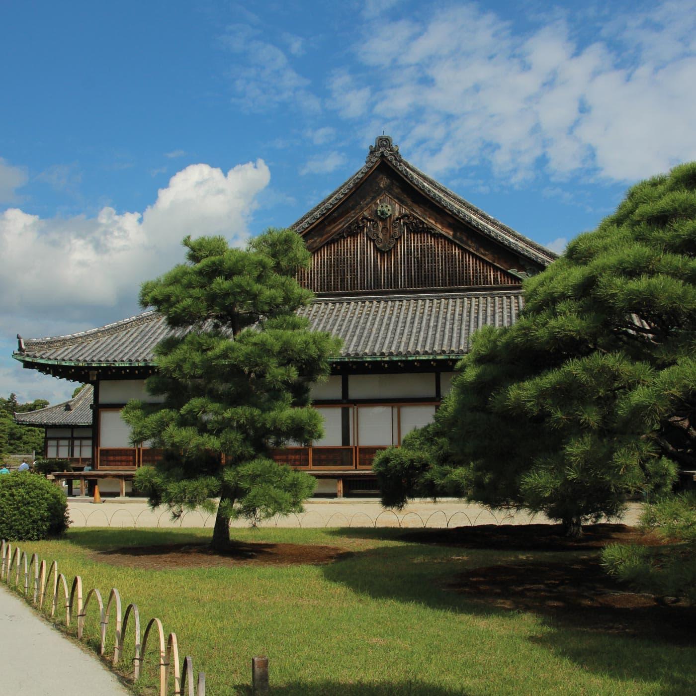 Postkartenmotiv: Japanische Tempel // HIMBEER