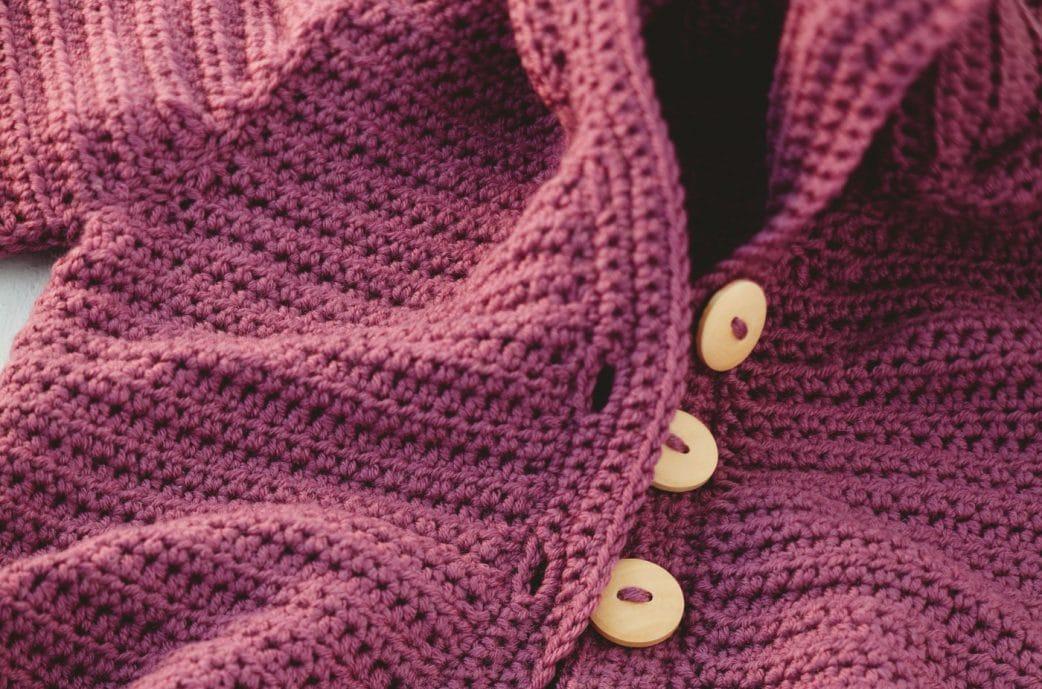 DIY: Schritt 9 – Jacke mit Kapuze für Babys häkeln // HIMBEER