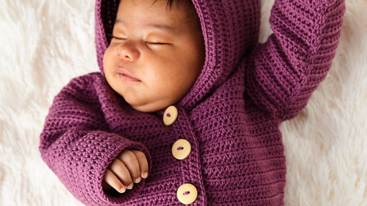 DIY: JAcke mit Kapuze für Babys häkeln // HIMBEER