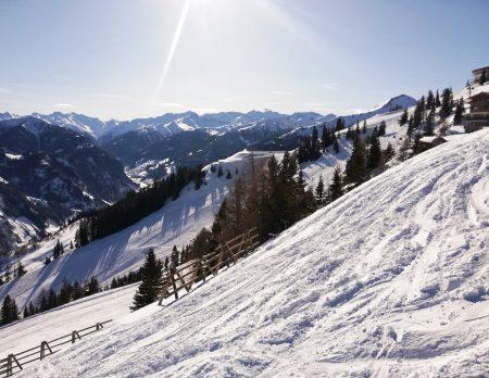 Skifahren mit Kindern im Großarltal: Winterurlaub auf dem Bauernhof // HIMBEER