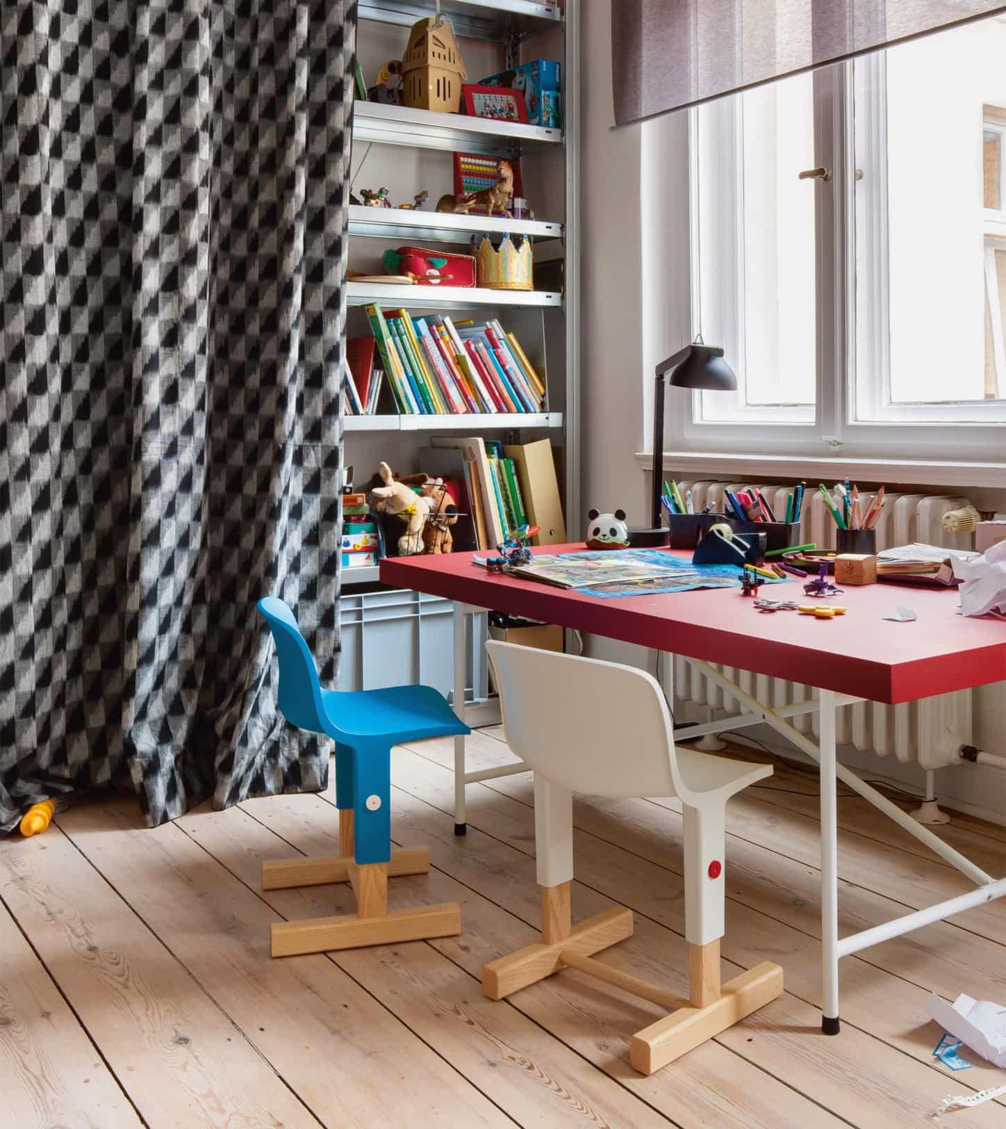 Lieblingssachen: Kindermöbel fürs Kinderzimmer: Kinderschreibtisch // HIMBEER