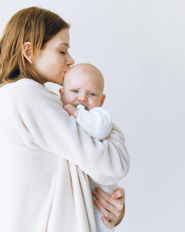 Babys und Kleinkinder mit ätherischen Ölen beruhigen // HIMBEER