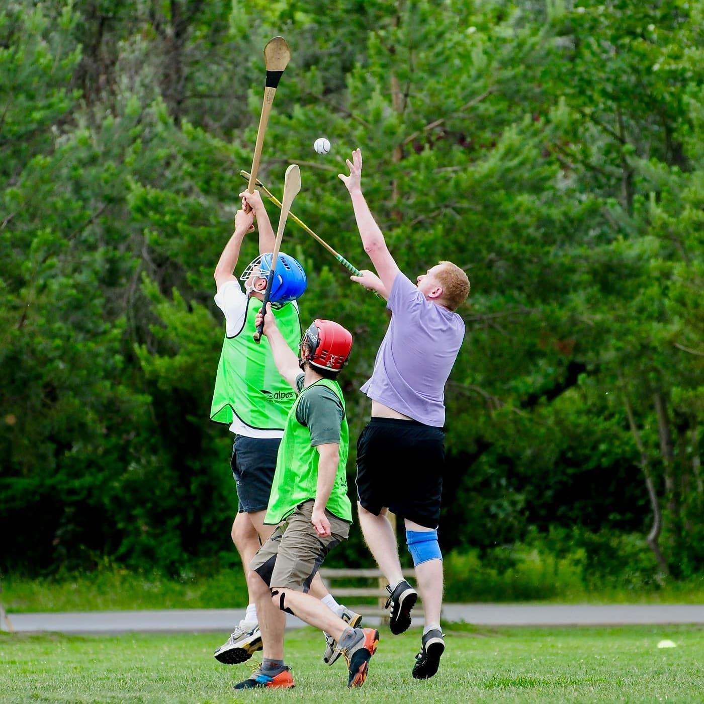 Gaelic Games in Berlin: Hurling im Park // HIMBEER