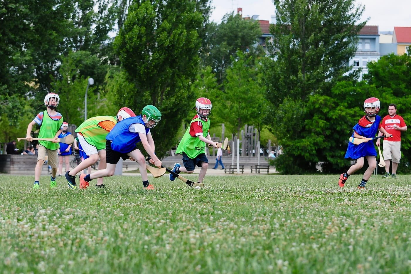 Hurling im Park: Gaelic Games in Berlin // HIMBEER
