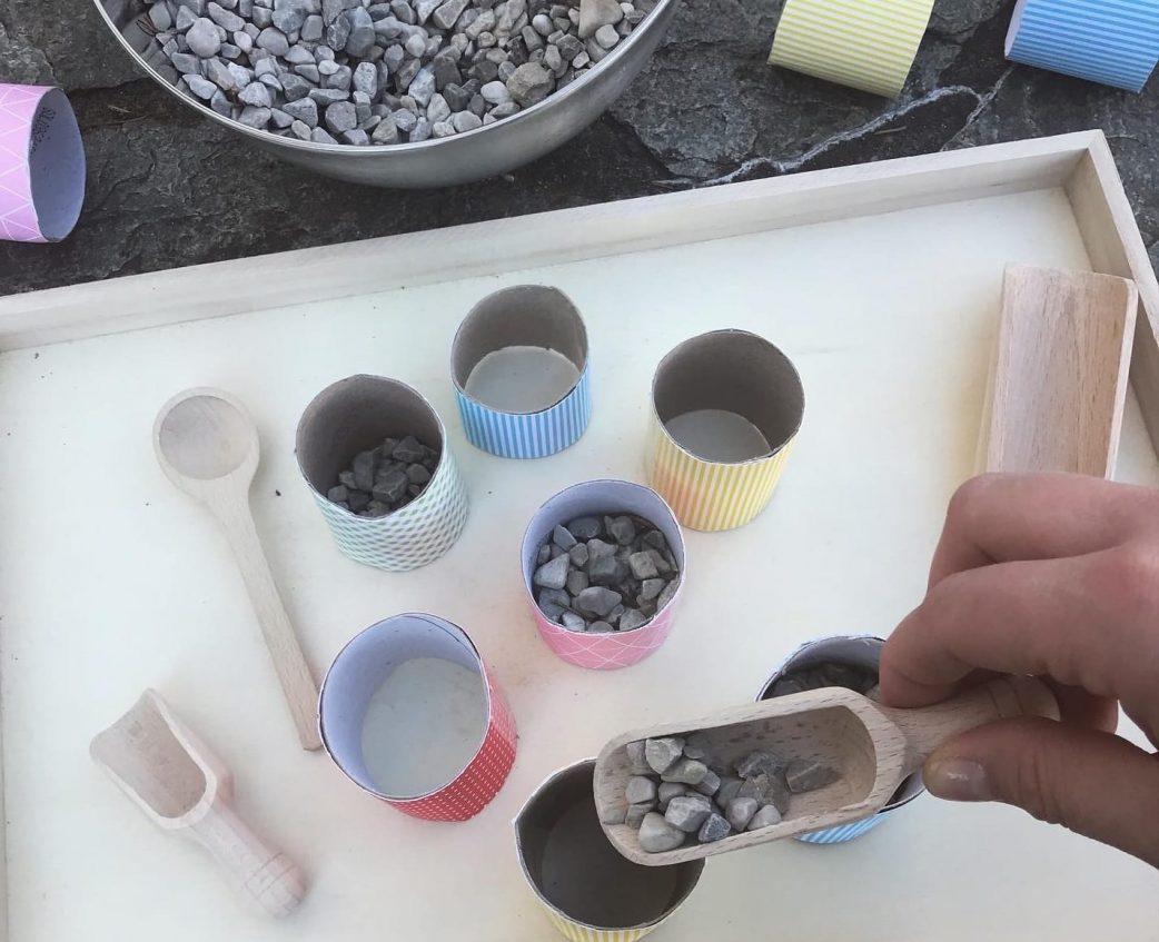 DIY, Montessori, Inspiration, Steinchen, Schütten,
