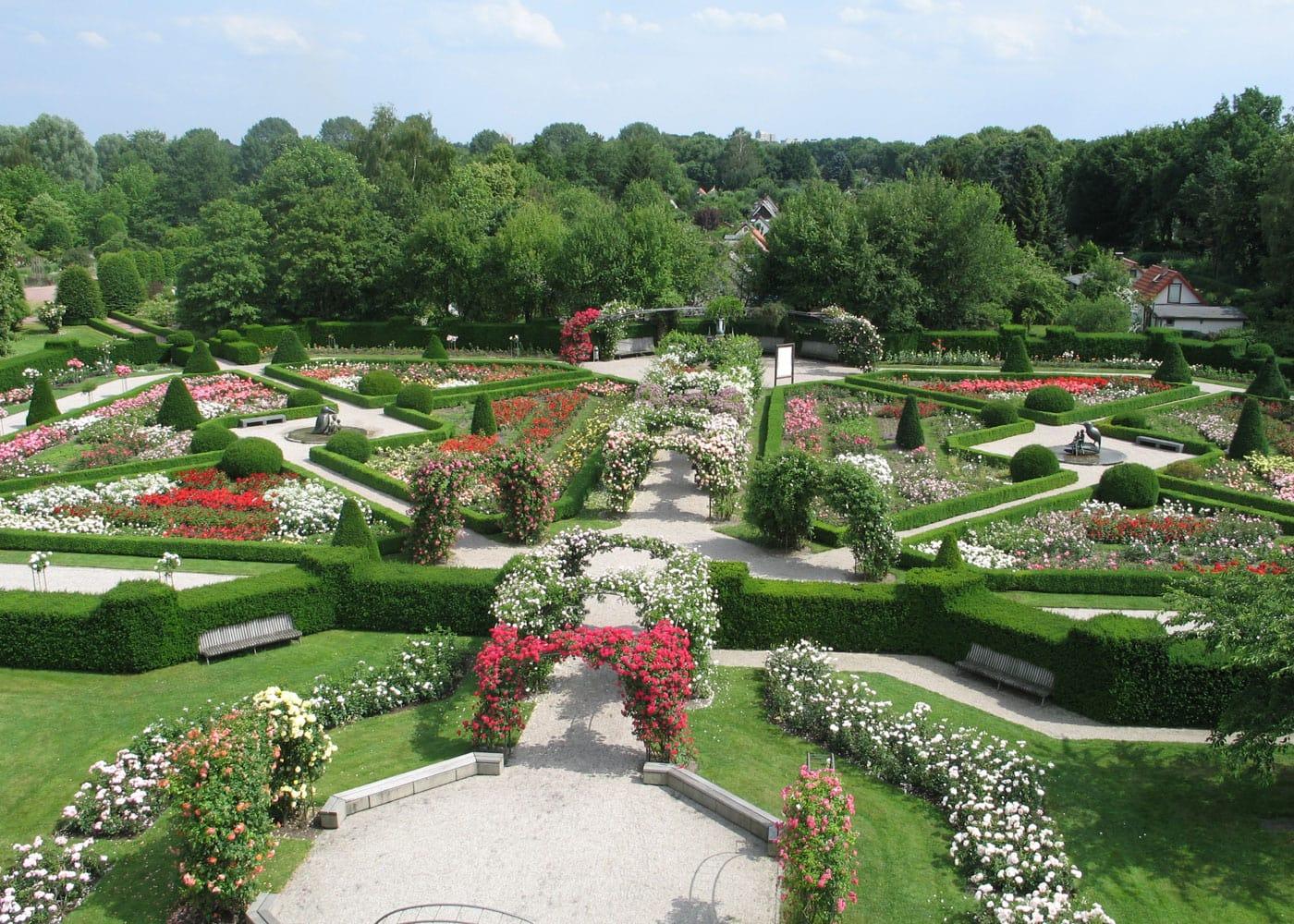 Ausflug in Berlin mit Kindern: Rosengarten im Britzer Garten // HIMBEER