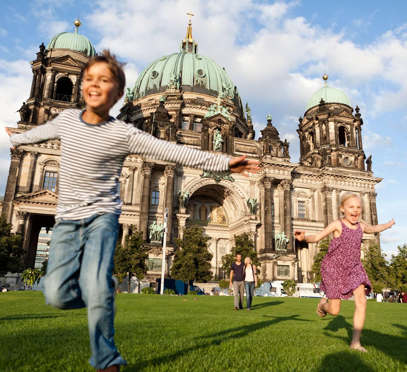 Ausflug mit Kindern zu den Sehenswürdigkeiten Berlins // HIMBEER