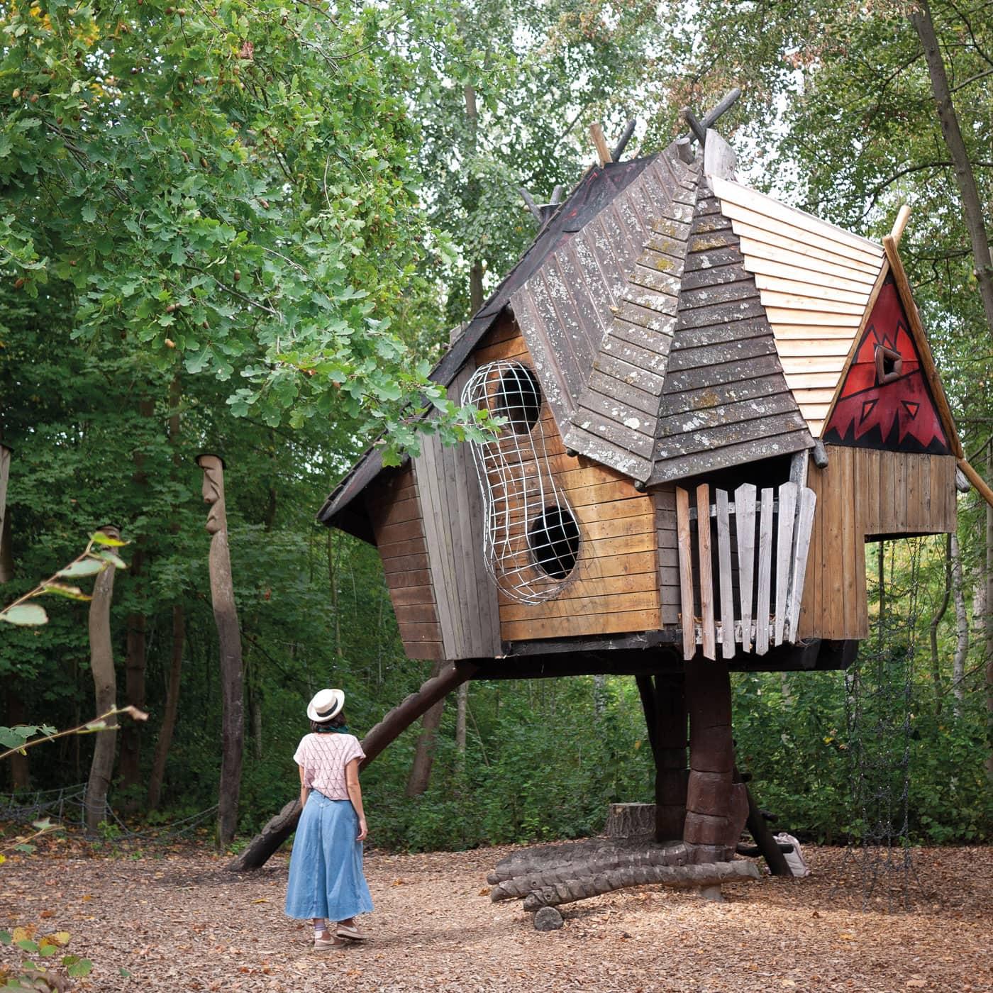 Das Haus der Baba Jaga im Familiengarten Eberswalde // HIMBEER