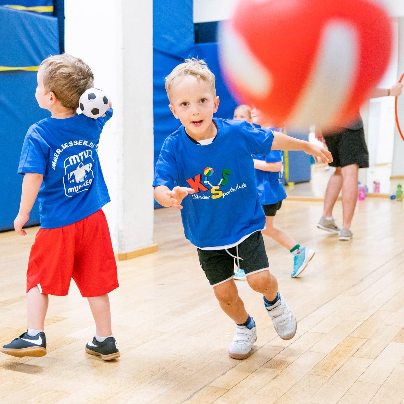 Kindersportschule für zu Hause // HIMBEER
