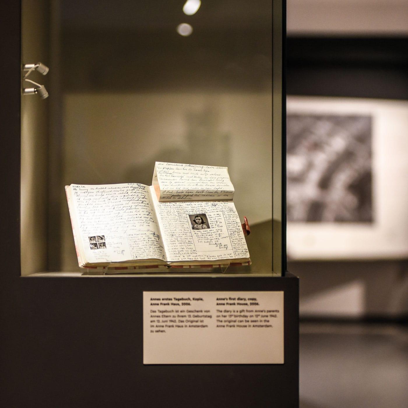 das Tagebuch der Anne Frank im Berliner Anne Frank Zentrum Berlin // HIMBEER