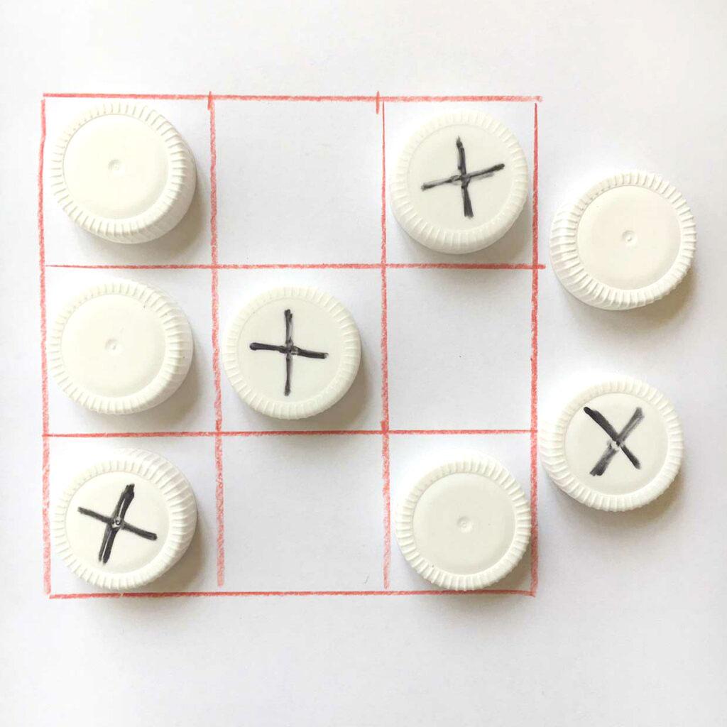 TicTacToe-Spiel selbst gebastelt – DIY-Ideen für Kinder // HIMBEER