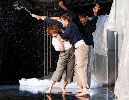 Tanztheater für Kinder in Berlin: Sei Wasser mein Freund // HIMBEER
