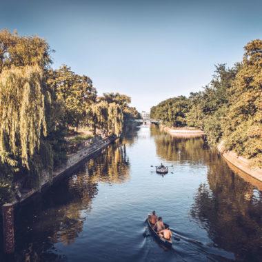 Ausflugstipp im Sommer: Berlin mit Kindern vom Wasser aus erkunden // HIMBEER