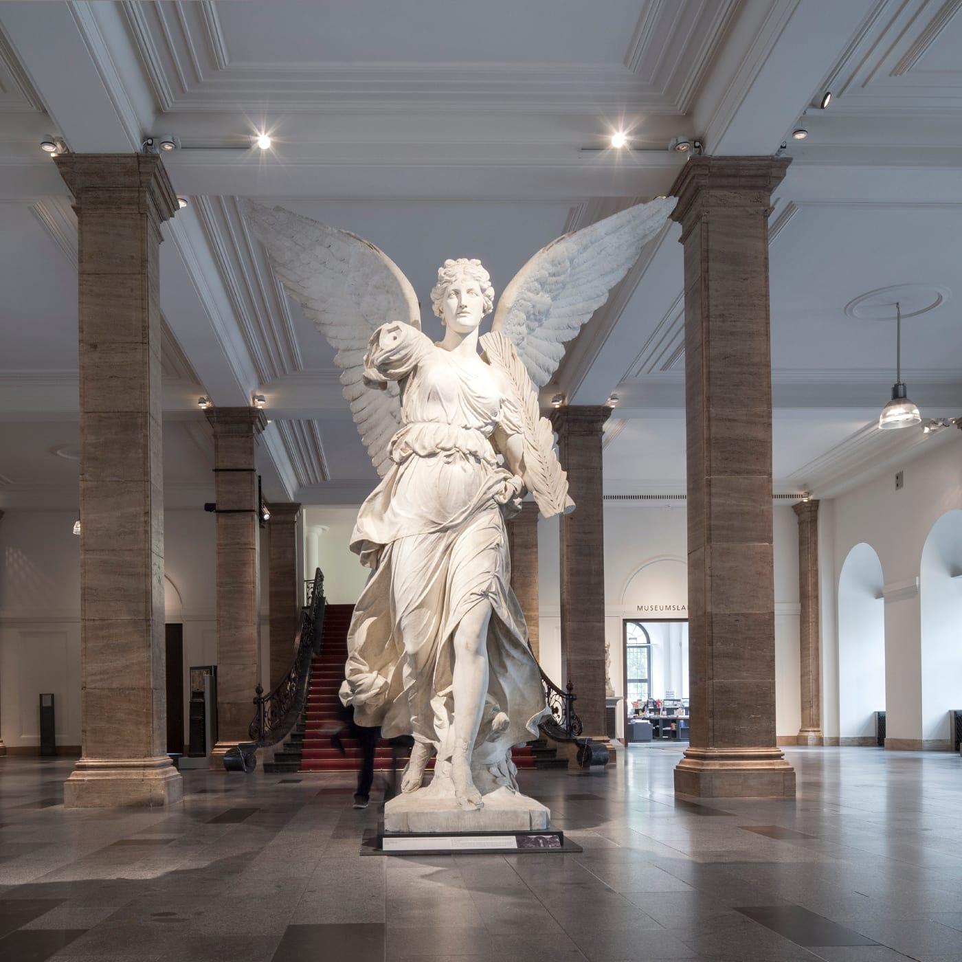 Foyer im Zeughaus Unter der Linden Berlin – Deutsches Historisches Museum // HIMBEER