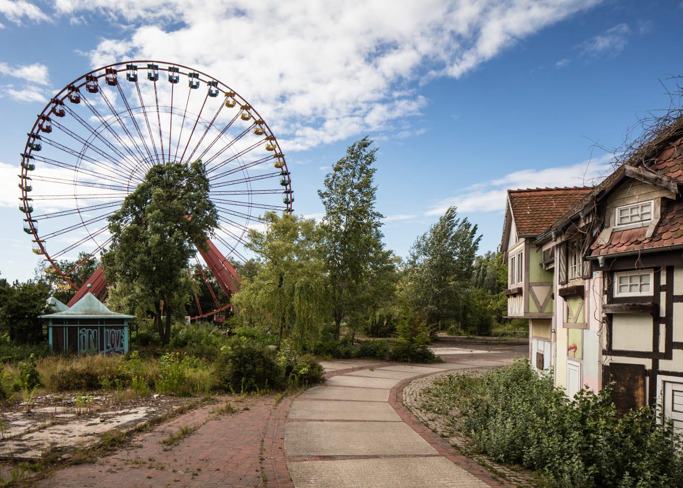 Sprrepark Berlin: Geführte Touren durch das verfallene Vergüngungsparkgelände // HIMBEER