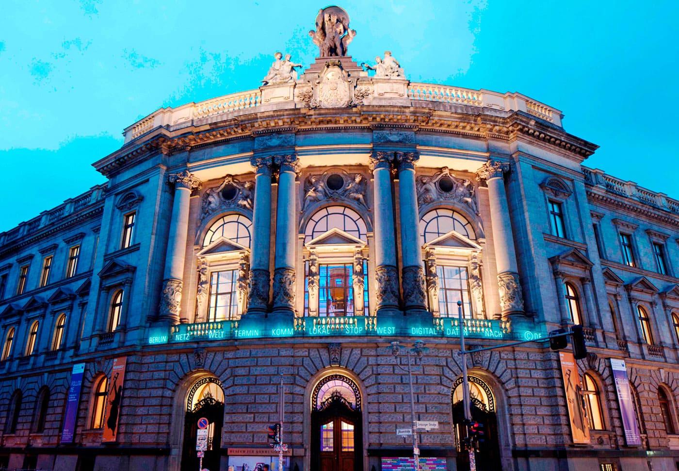 Fassade Museum für Kommunikation Berlin – Top Museen für Kinder in Berlin // HIMBEER