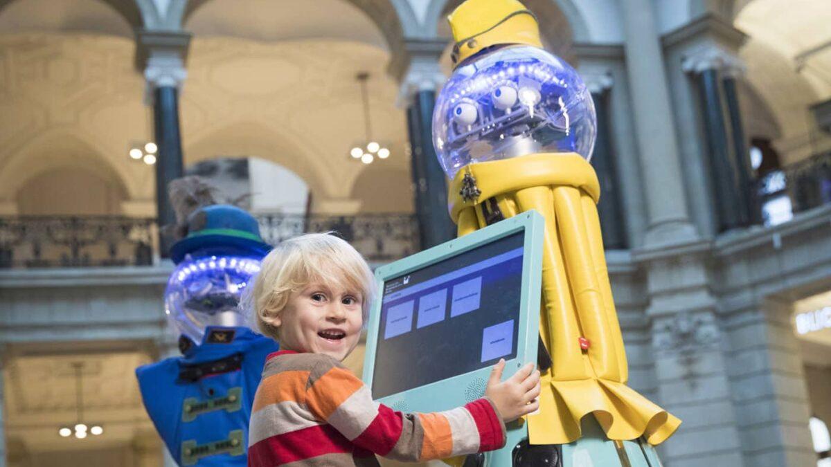 Ferienaktionen für Kinde rim Museum für Kommunikation Berlin // HIMBEER