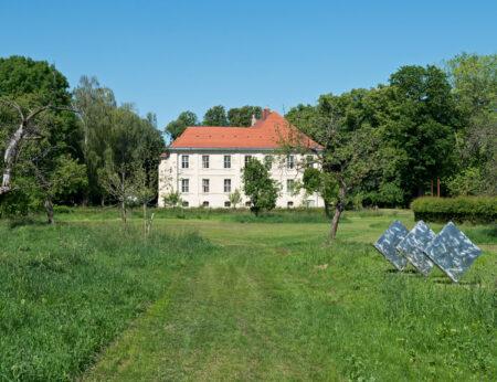 Skulpturenpark im Schlossgut Schwante – Ausflugsziel für Familien // HIMBEER