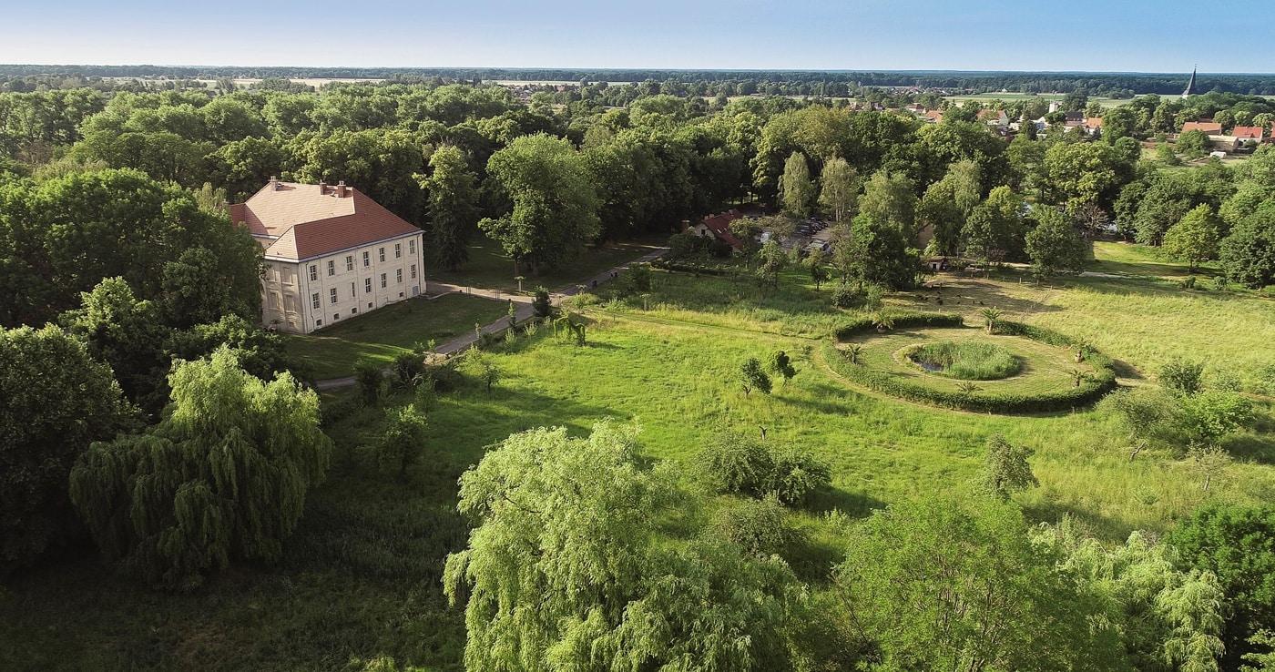 Sklupturenpark im Schlossgut Schwante – Ausflugsziel für Familien // HIMBEER
