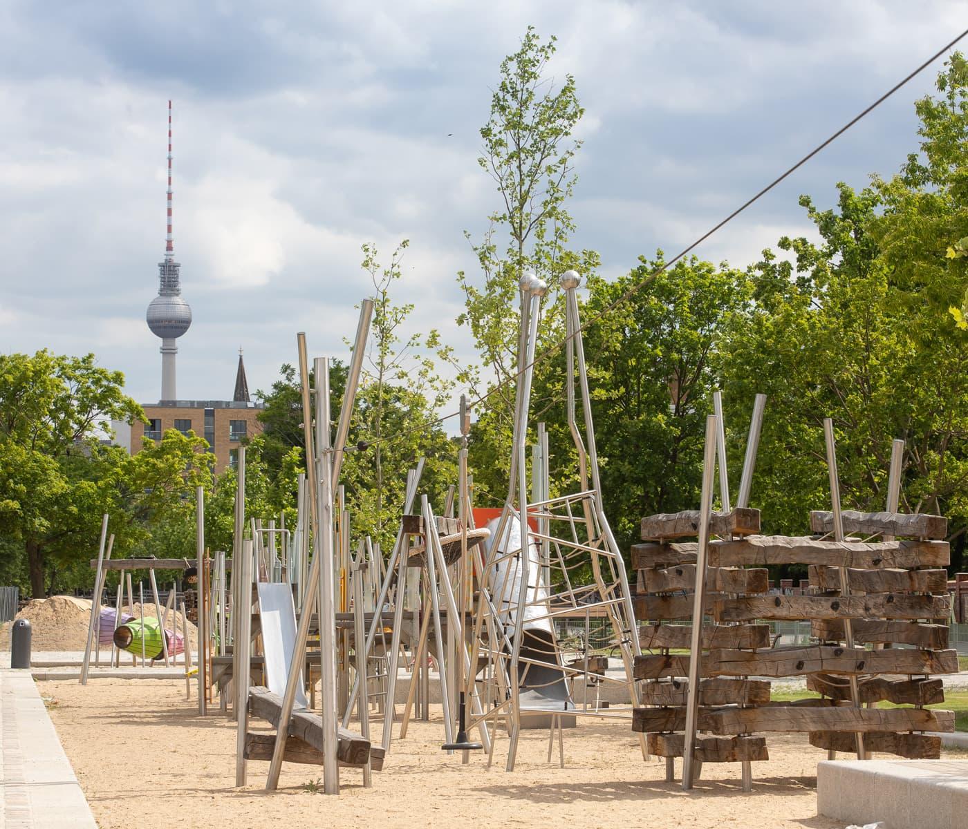 Spielplatz im neuen Mauerpark-Teil // HIMBEER
