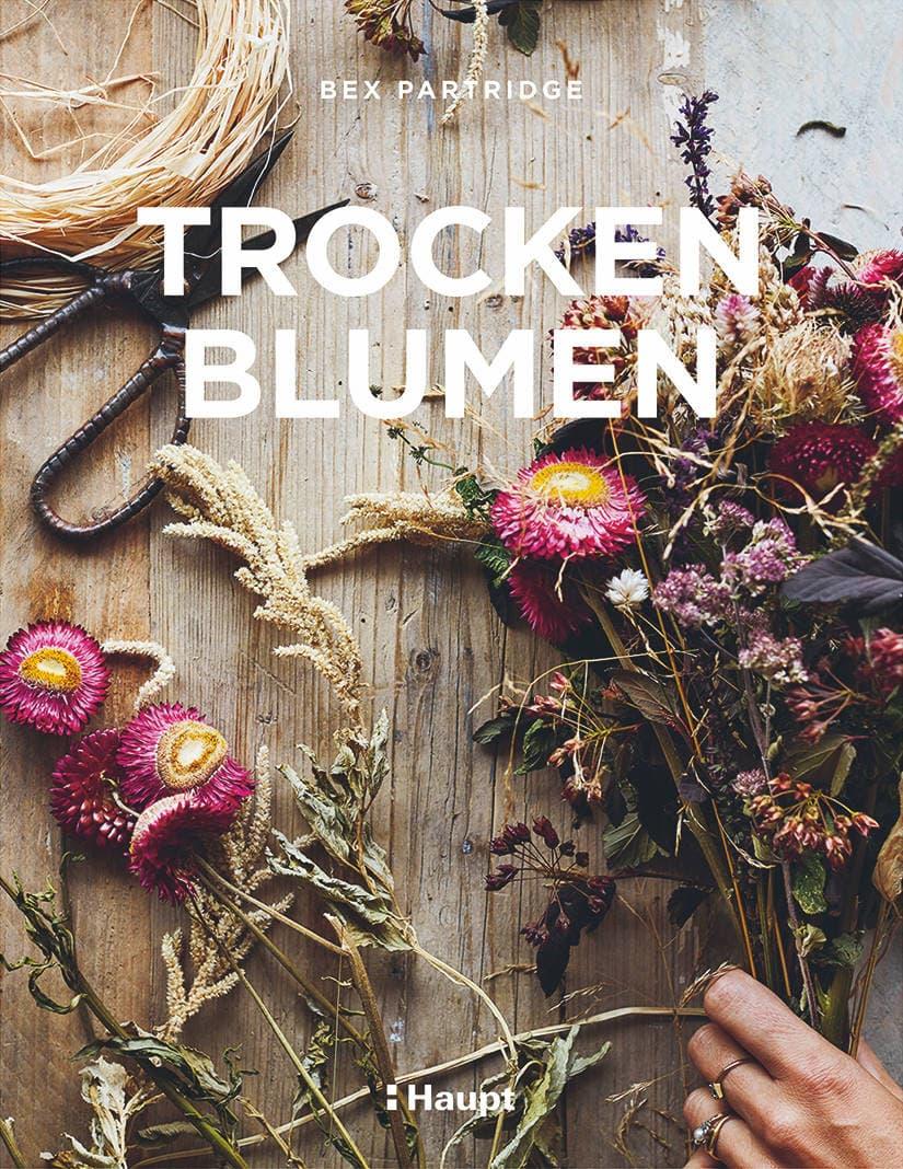 Blumengirlande aus Trockenblumen // HIMBEER