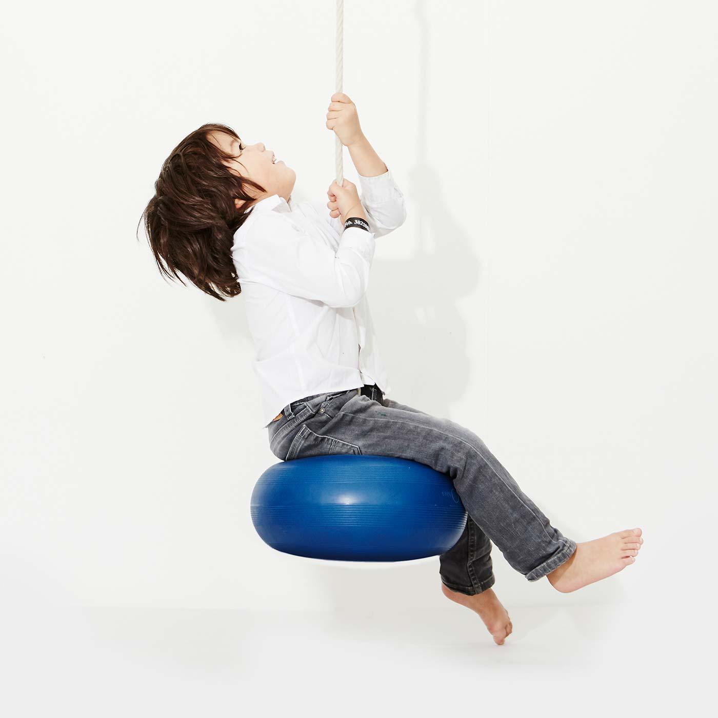 Bringt Schwung ins Kinderzimmer: donut swing von bObles // HIMBEER