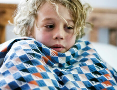 Was tun, wenn mein Kind krank ist? Abklären, ob Coronatest notwendig ist // HIMBEER