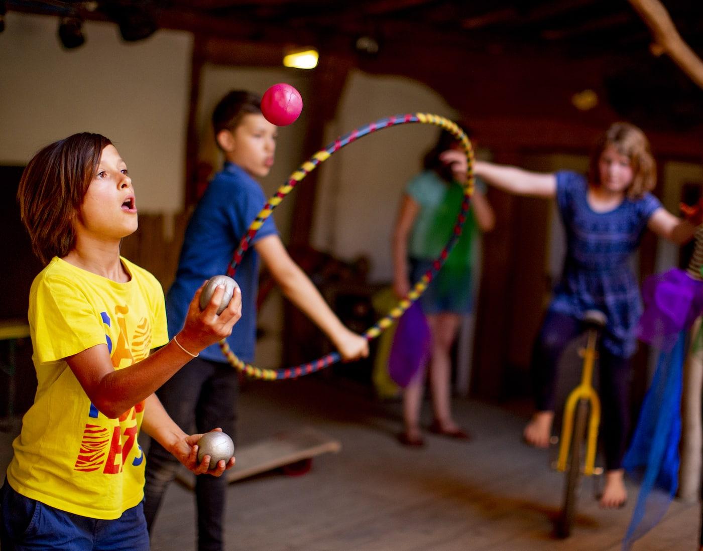 Herbstferien-Zirkuskurse von Kinder brauchen Matsch für Kinder in Berlin // HIMBEER