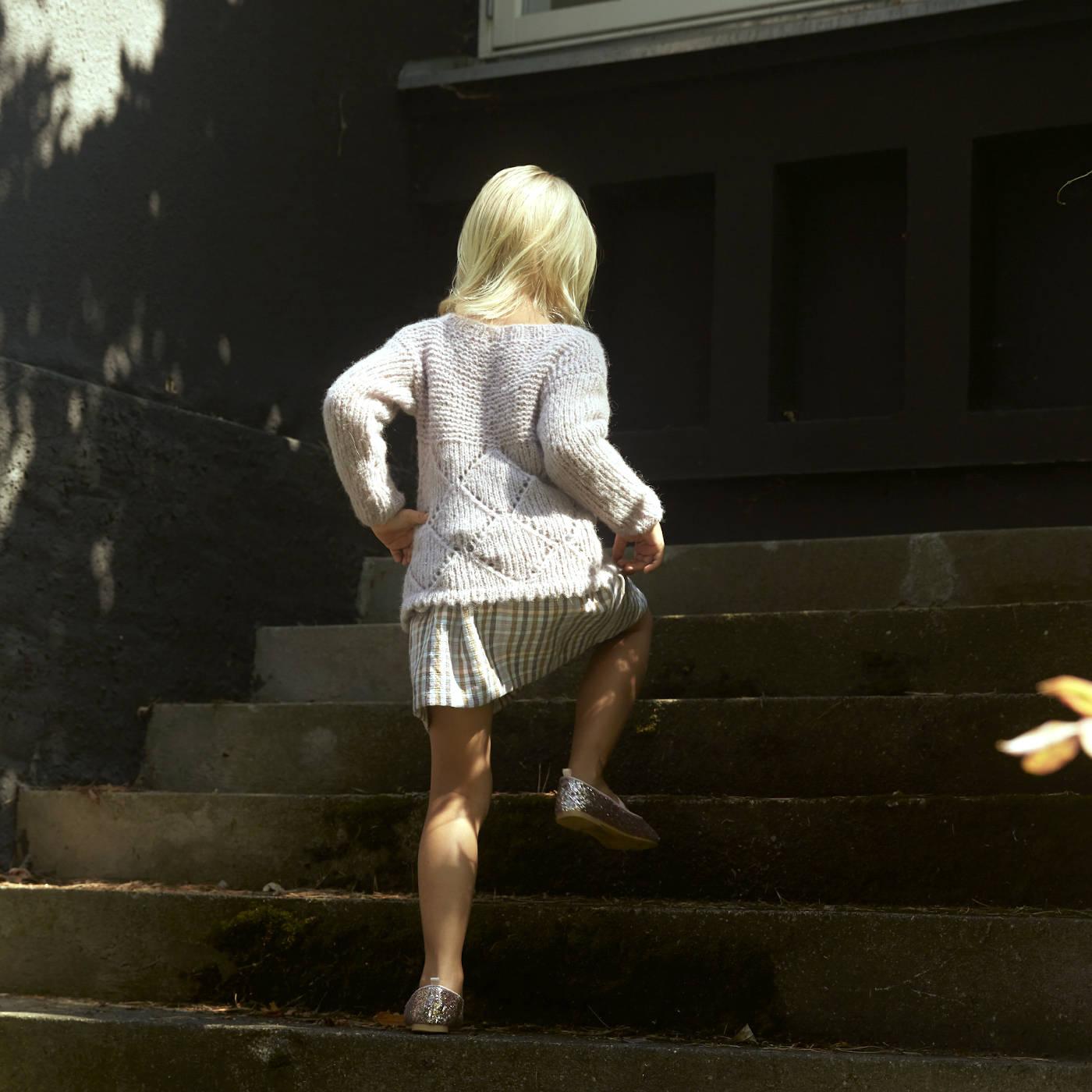 Strickanleitung: Kinderpullover für die Herbstzeit stricken // HIMBEER