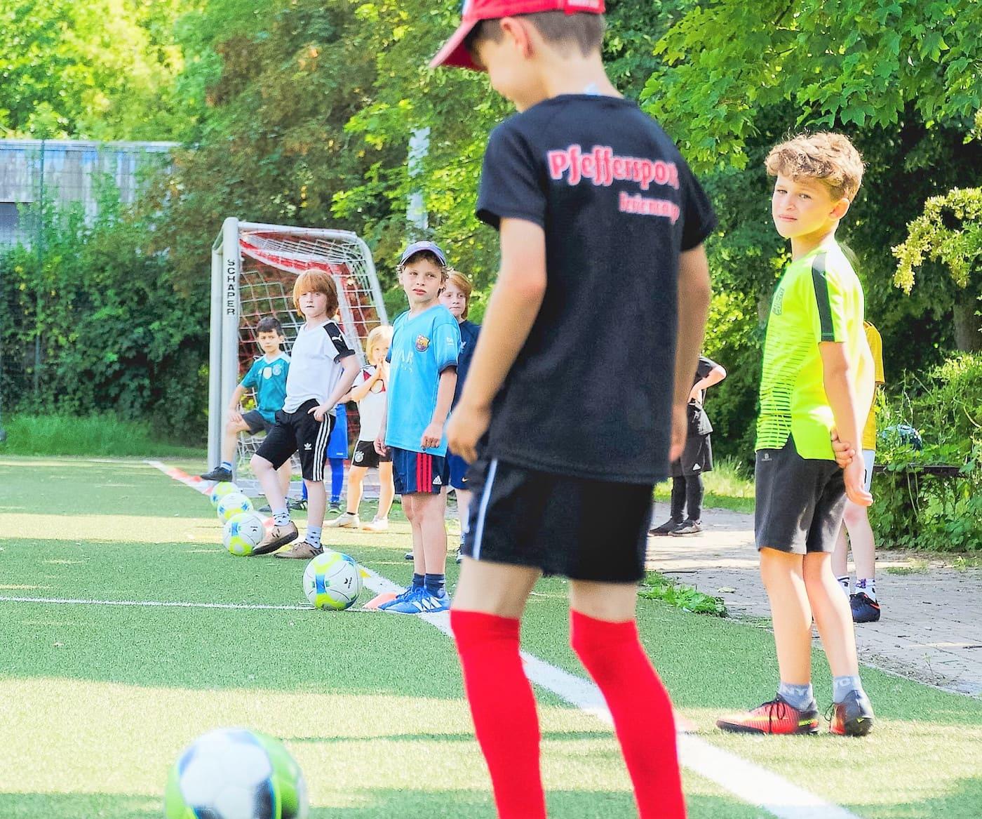 Herbstferien-Sportkurse von Pfeffersport für Kinder in Berlin // HIMBEER