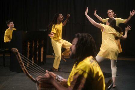 Offensive Tanz: Wir tanzen weiter // HIMBEER