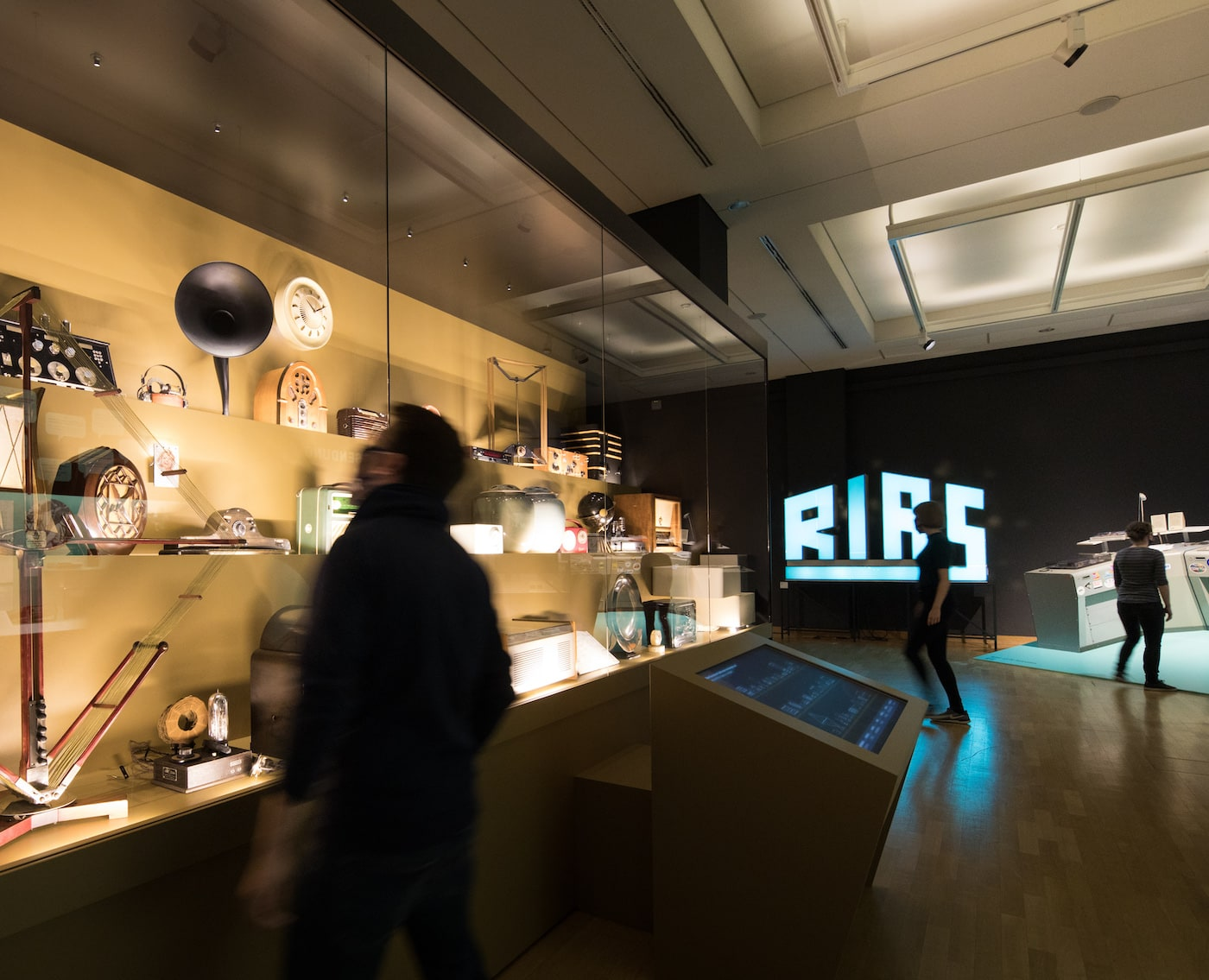 """Ausstellung """"On Air"""" im Museum für Kommunikation Berlin // HIMBEER"""
