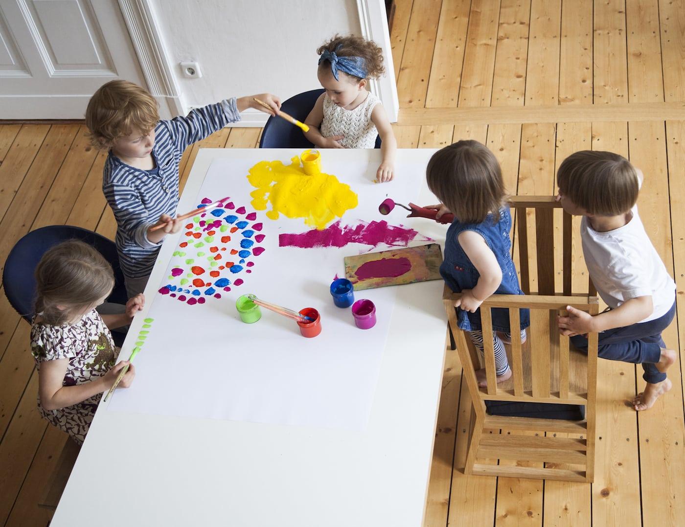 Gute Kindermöbel: Lernturm von Zaunkönig // HIMBEER