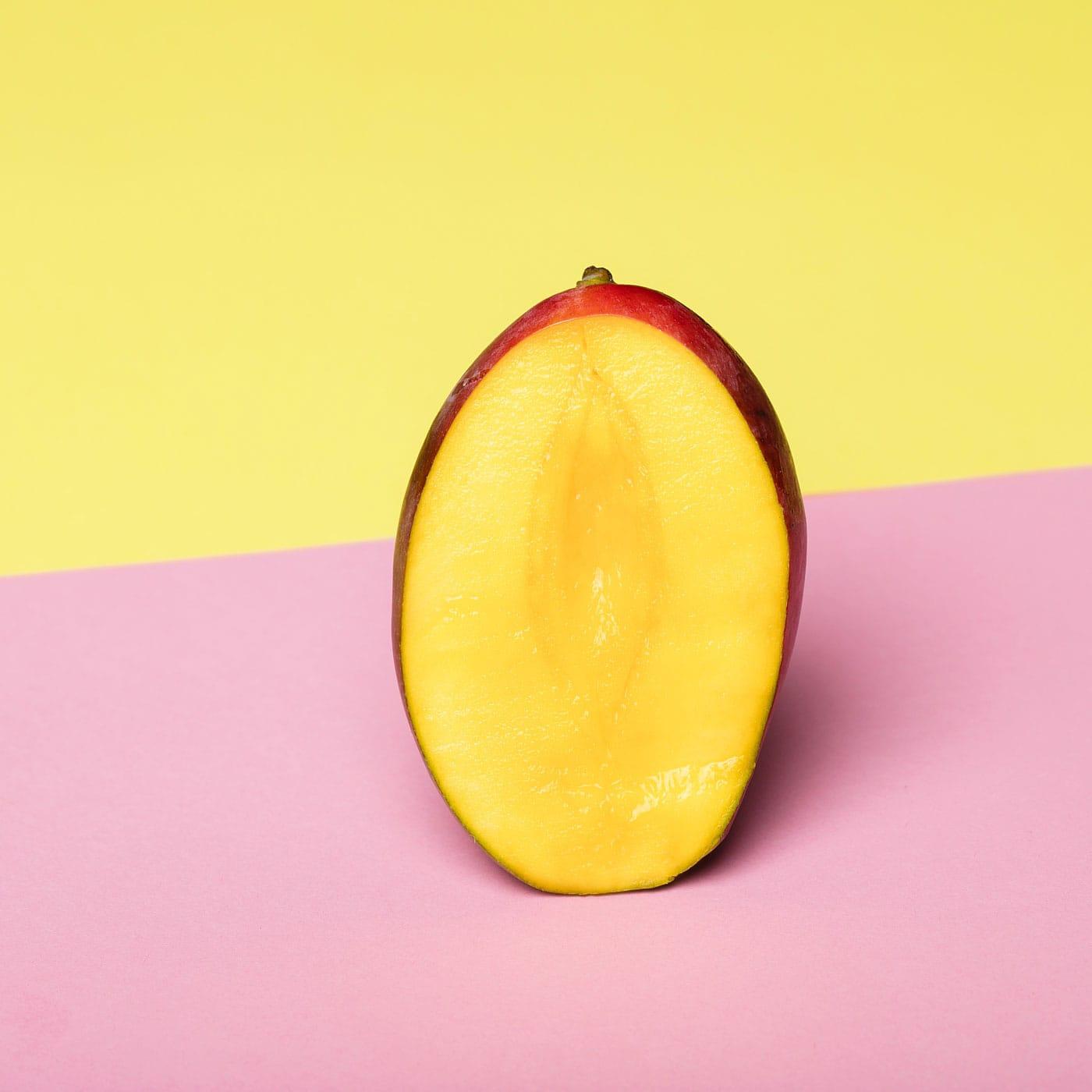 Gute-Nacht-Brei mit Mango – Rezept für Kleinkinder // HIMBEER