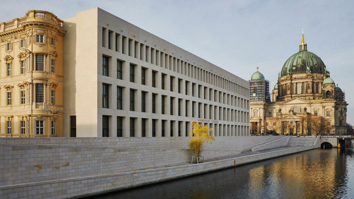 Humboldt Forum Berlin, Süd und Ostfassade // HIMBEER