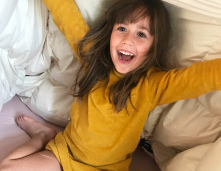 Nachhaltige Daunen-Bettdecken von snuuz im Test // HIMBEER