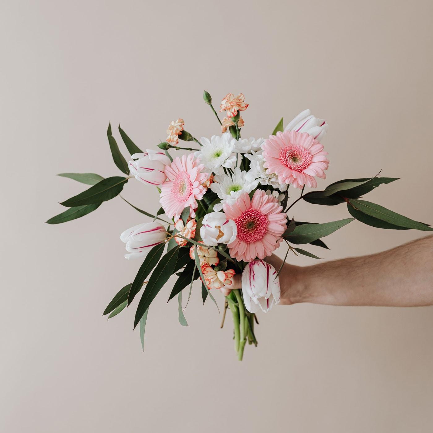 Blumen schenken und Freude bereiten // HIMBEER