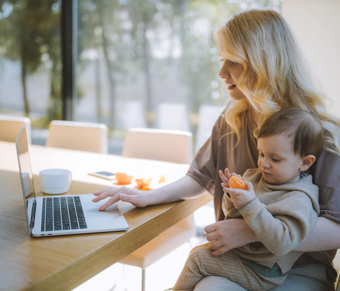 Wiedereinstieg nach der Elternzeit_ rechtzeitig informieren // HIMBEER