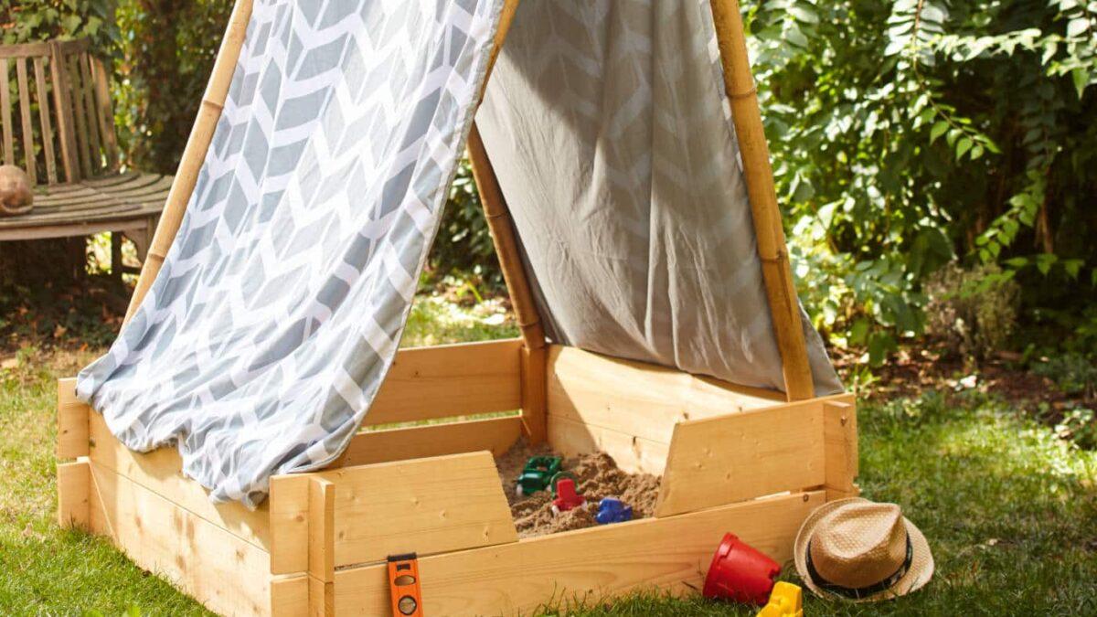 Sandkasten mit Bambus-Zeltdach // HIMBEER