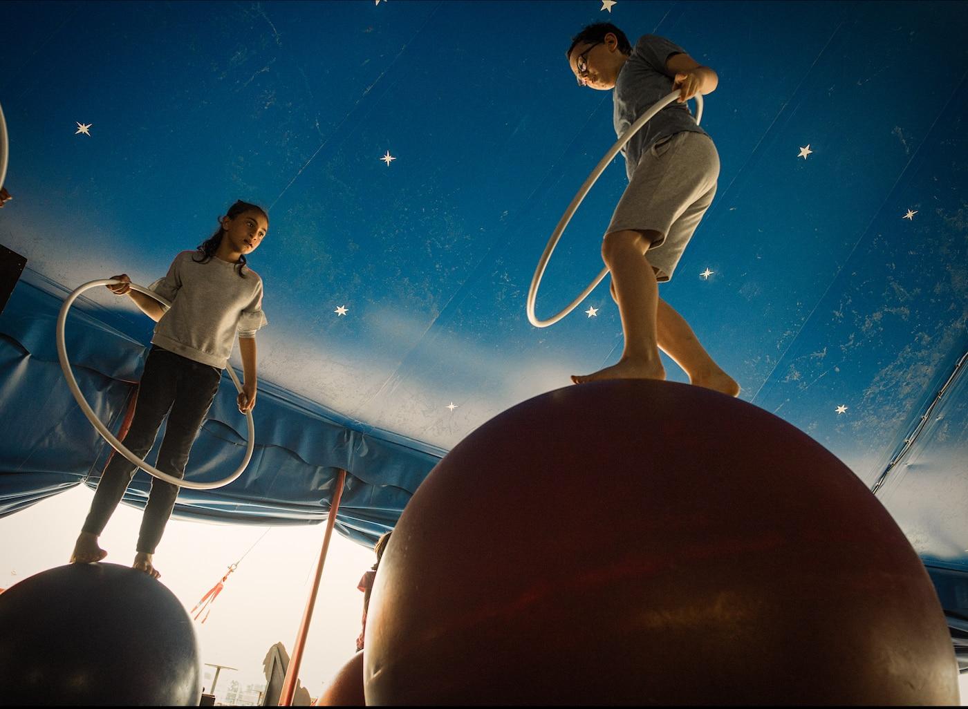 Sommerferien-Kurse für Kinder im Zirkus Cabuwazi // HIMBEER