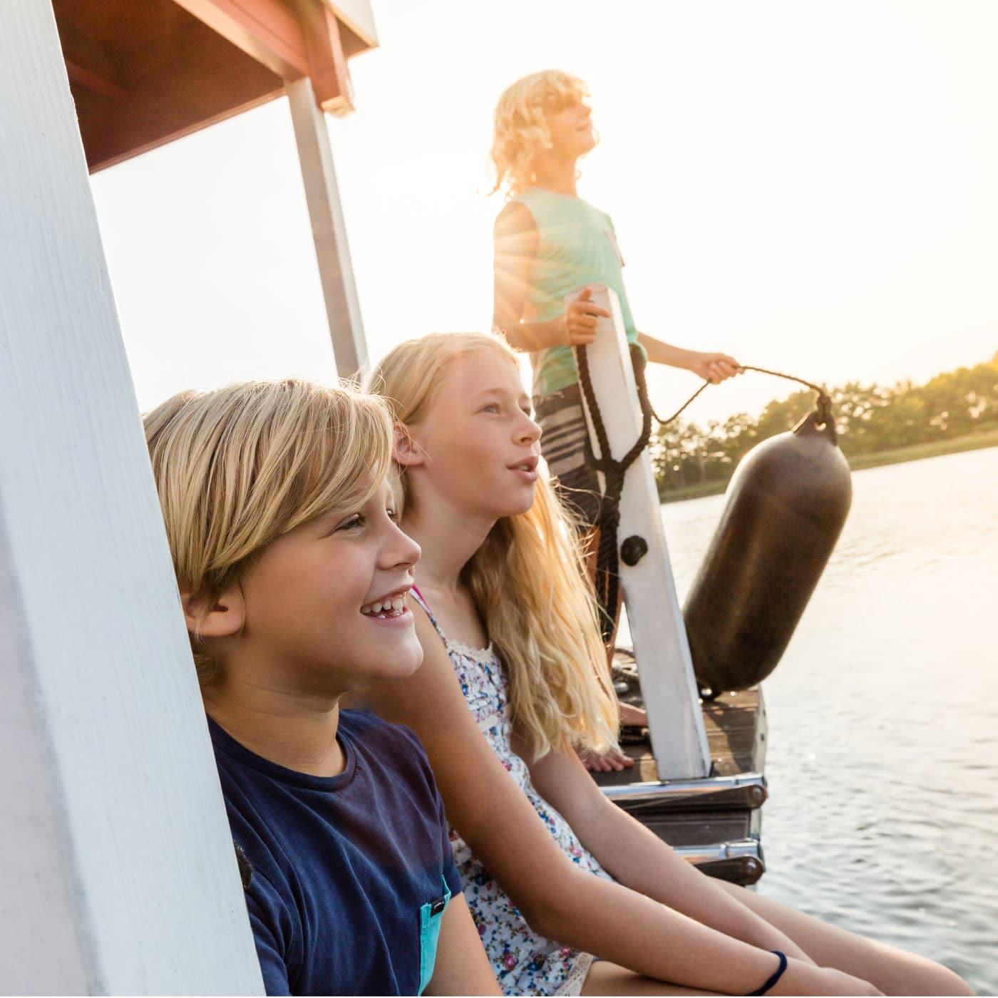 Familienurlaub an der Mecklenburgischen Seenplatte: Ferien auf dem Hausboot // HIMBEER